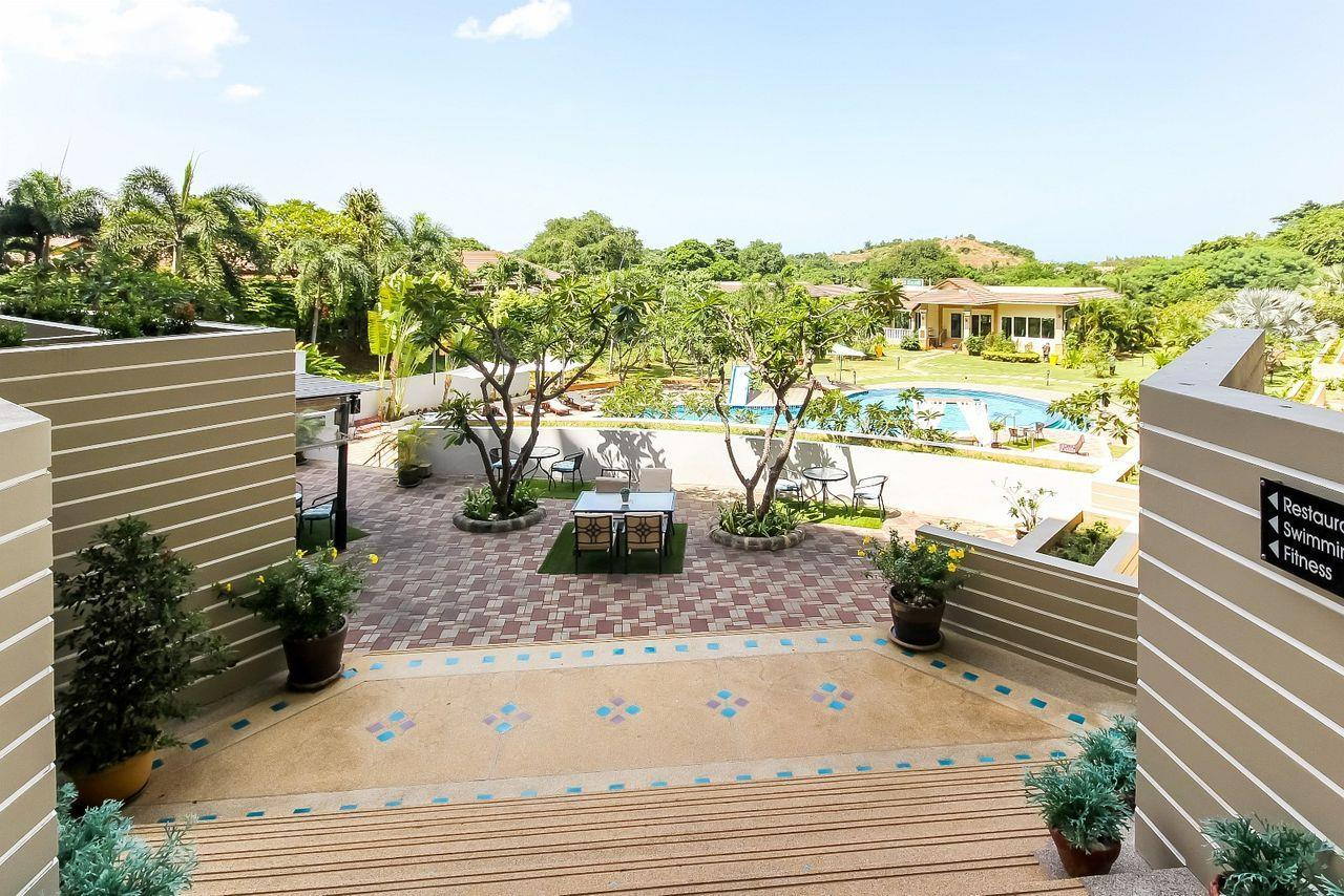 Thaiproperty1 Agency's LUXURIOUS 3 BEDROOM CONDO IN THE SOUTHERN PART OF HUA HIN. 17