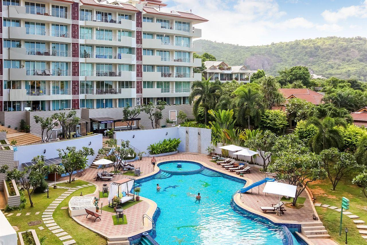 Thaiproperty1 Agency's LUXURIOUS 3 BEDROOM CONDO IN THE SOUTHERN PART OF HUA HIN. 21
