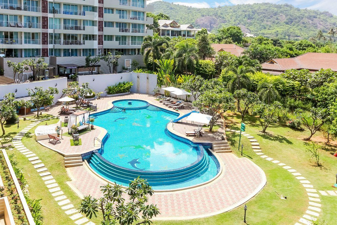 Thaiproperty1 Agency's LUXURIOUS 3 BEDROOM CONDO IN THE SOUTHERN PART OF HUA HIN. 19