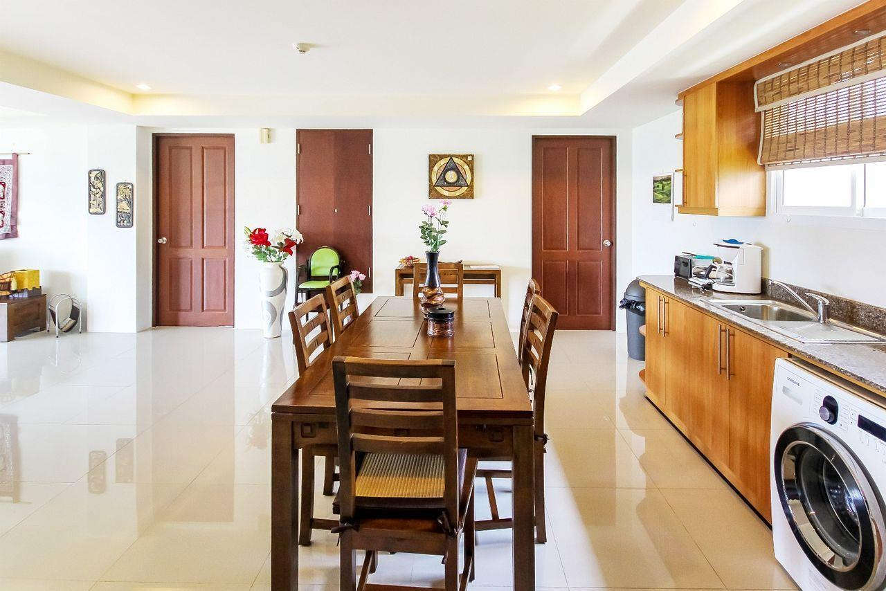 Thaiproperty1 Agency's LUXURIOUS 3 BEDROOM CONDO IN THE SOUTHERN PART OF HUA HIN. 3