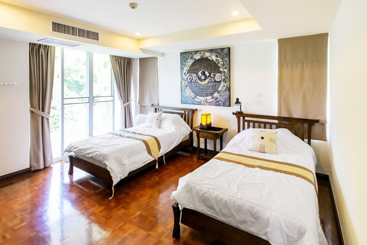 Thaiproperty1 Agency's LUXURIOUS 3 BEDROOM CONDO IN THE SOUTHERN PART OF HUA HIN. 5