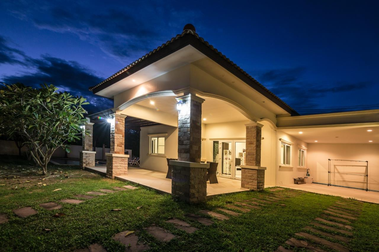 Thaiproperty1 Agency's  3 bedroom single level pool villa 2