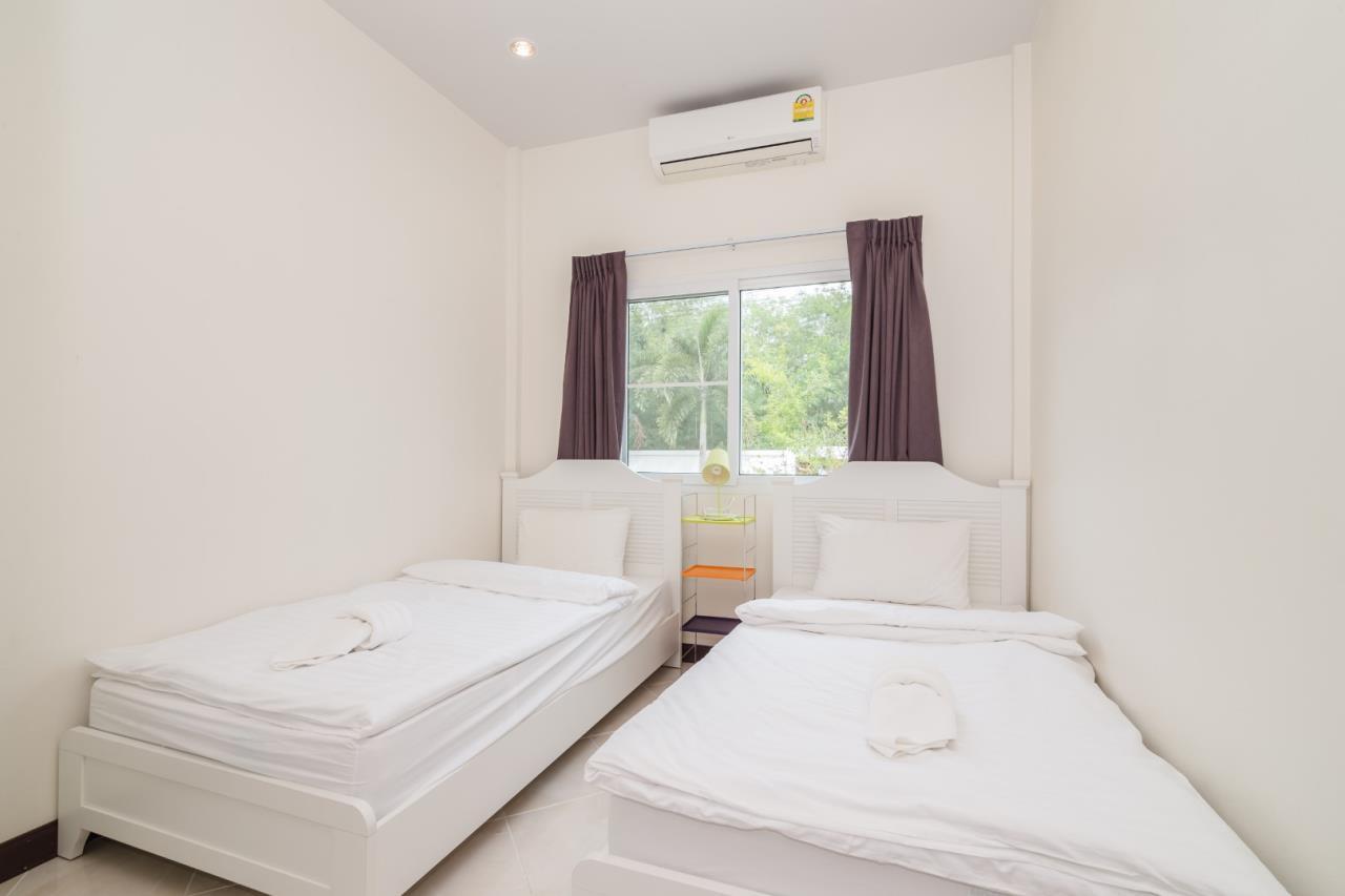 Thaiproperty1 Agency's  3 bedroom single level pool villa 15