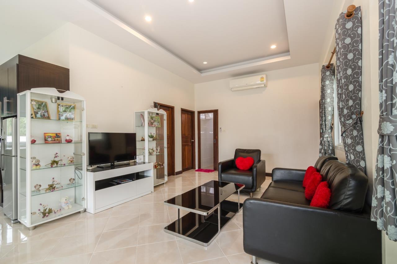 Thaiproperty1 Agency's  3 bedroom single level pool villa 11
