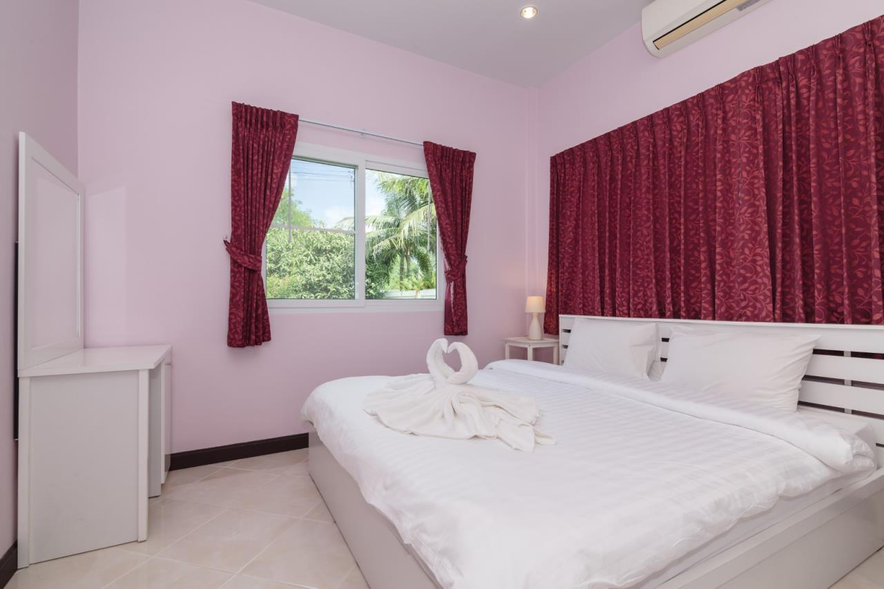 Thaiproperty1 Agency's  3 bedroom single level pool villa 12