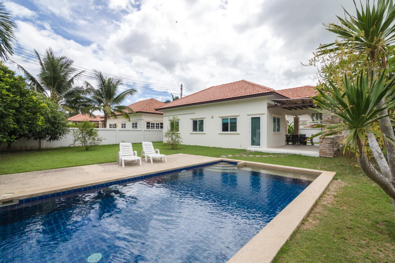 Thaiproperty1 Agency's  3 bedroom single level pool villa 18