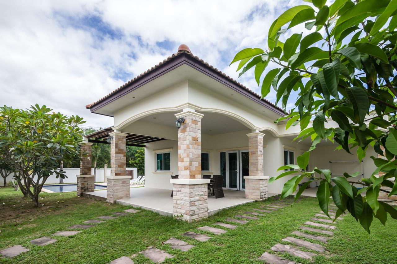 Thaiproperty1 Agency's  3 bedroom single level pool villa 3