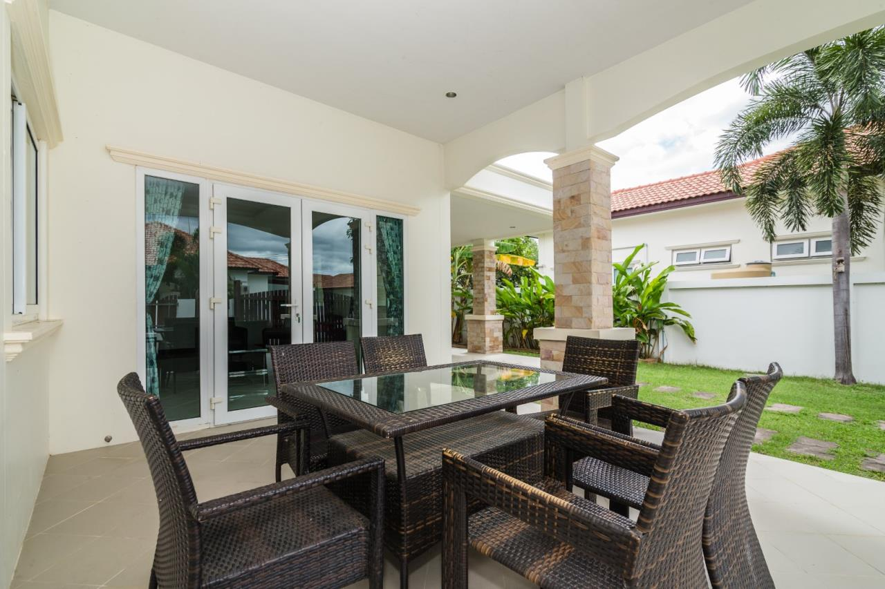 Thaiproperty1 Agency's  3 bedroom single level pool villa 17
