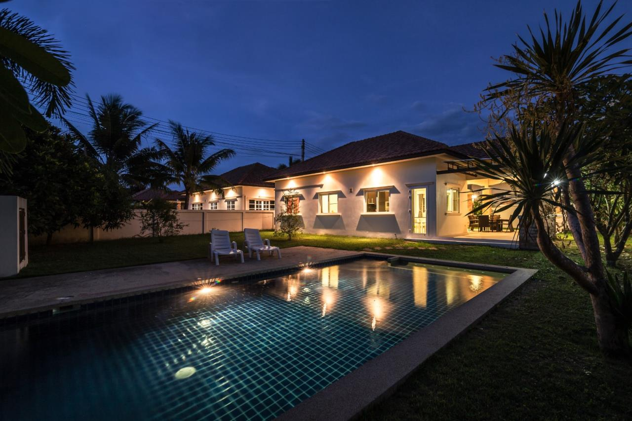 Thaiproperty1 Agency's  3 bedroom single level pool villa 20