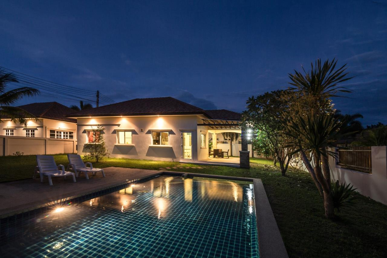 Thaiproperty1 Agency's  3 bedroom single level pool villa 1