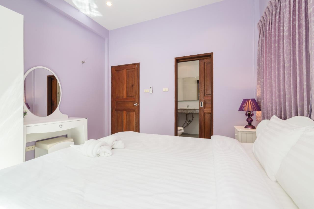 Thaiproperty1 Agency's  3 bedroom single level pool villa 14