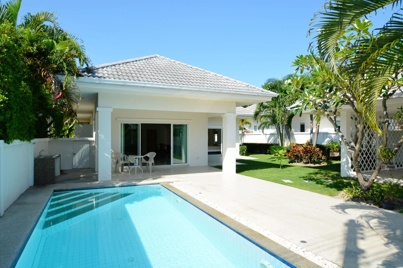 Thaiproperty1 Agency's Ave 88 Pool Villa.. Best LOCATION 24