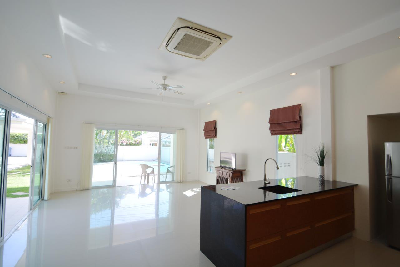 Thaiproperty1 Agency's Ave 88 Pool Villa.. Best LOCATION 8
