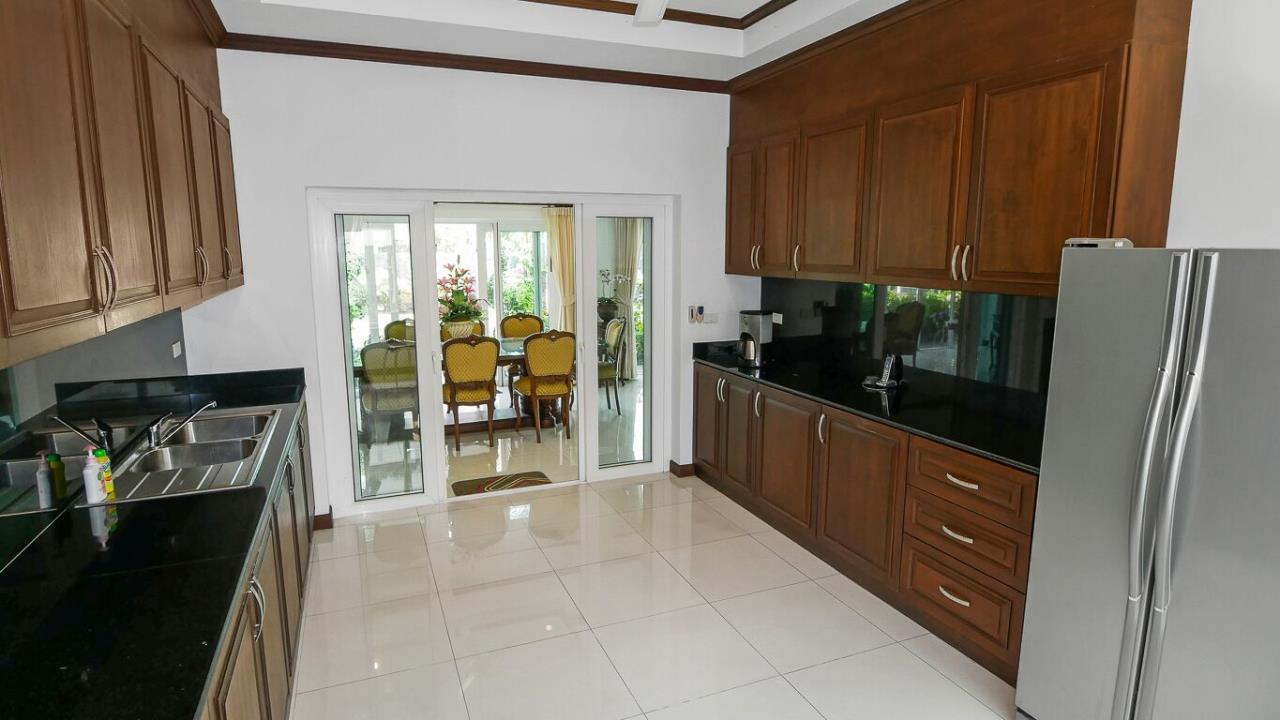 Thaiproperty1 Agency's LUXURY VILLA ON 1720 SQM LAND PLOT FOR SALE IN EAST PATTAYA  14