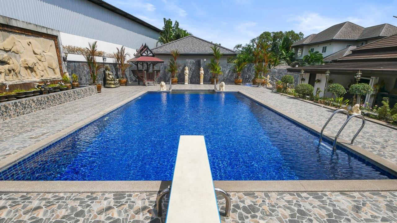 Thaiproperty1 Agency's LUXURY VILLA ON 1720 SQM LAND PLOT FOR SALE IN EAST PATTAYA  6