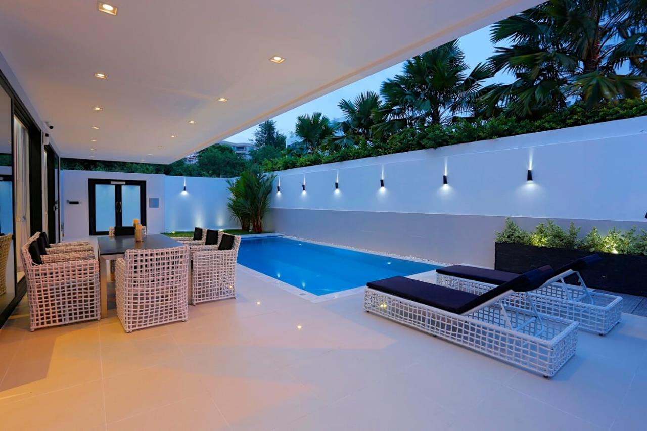Thaiproperty1 Agency's UNIQUE LUXURY POOL VILLA ON PRATAMNAK HILL 4