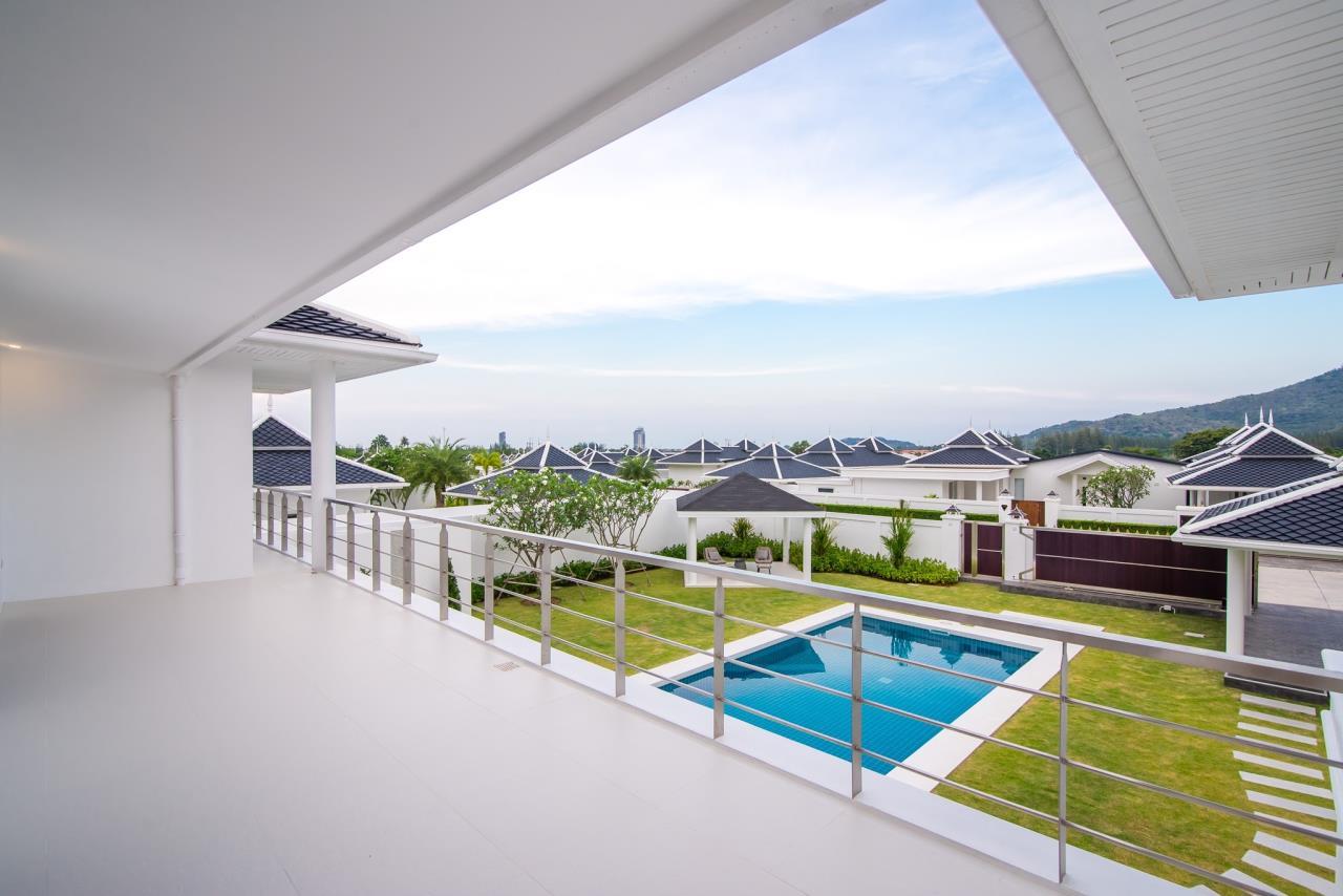 Thaiproperty1 Agency's Luxury 2-Storey Modern Pool Villa - Falcon Hill Hua Hin 33