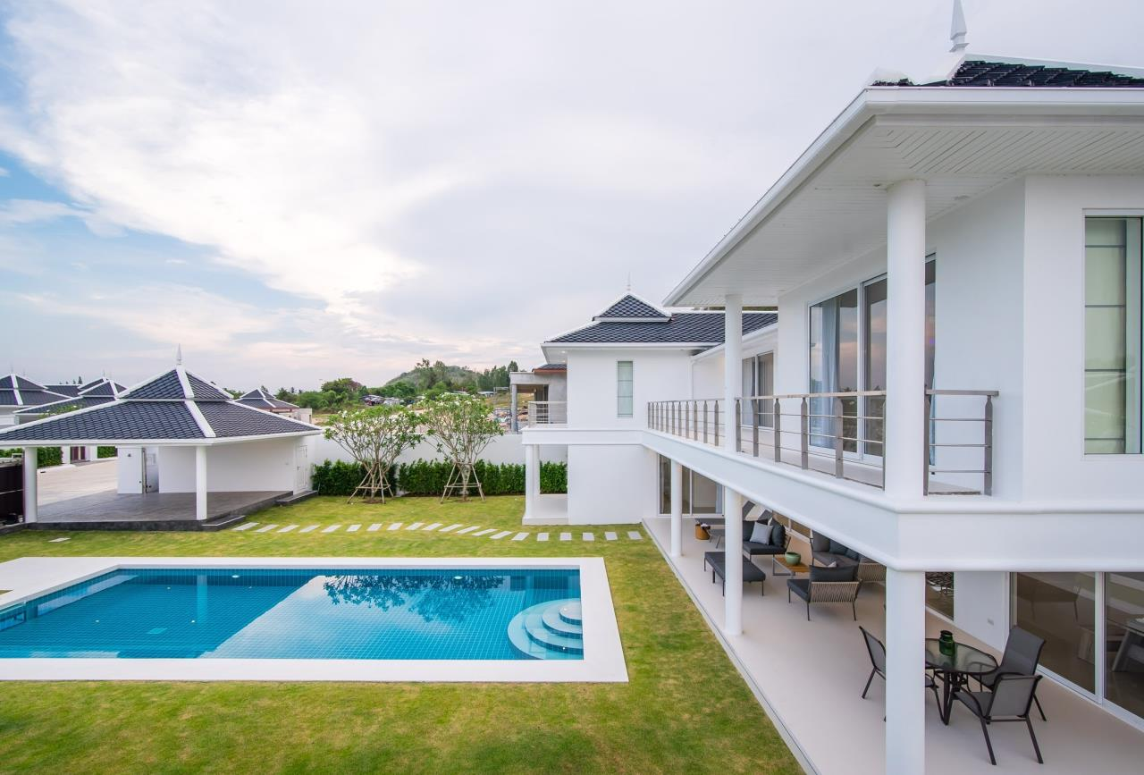 Thaiproperty1 Agency's Luxury 2-Storey Modern Pool Villa - Falcon Hill Hua Hin 5