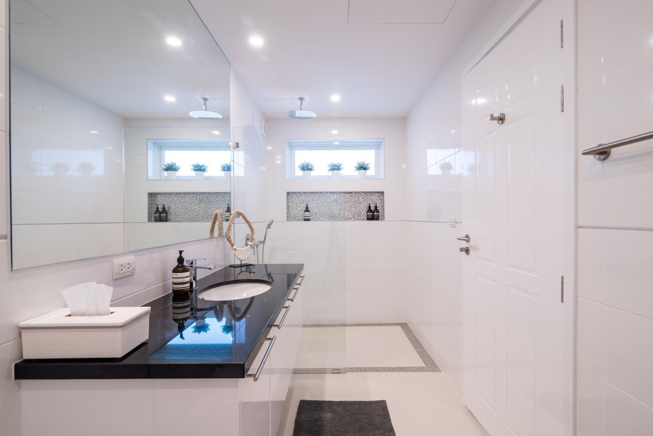 Thaiproperty1 Agency's Luxury 2-Storey Modern Pool Villa - Falcon Hill Hua Hin 37