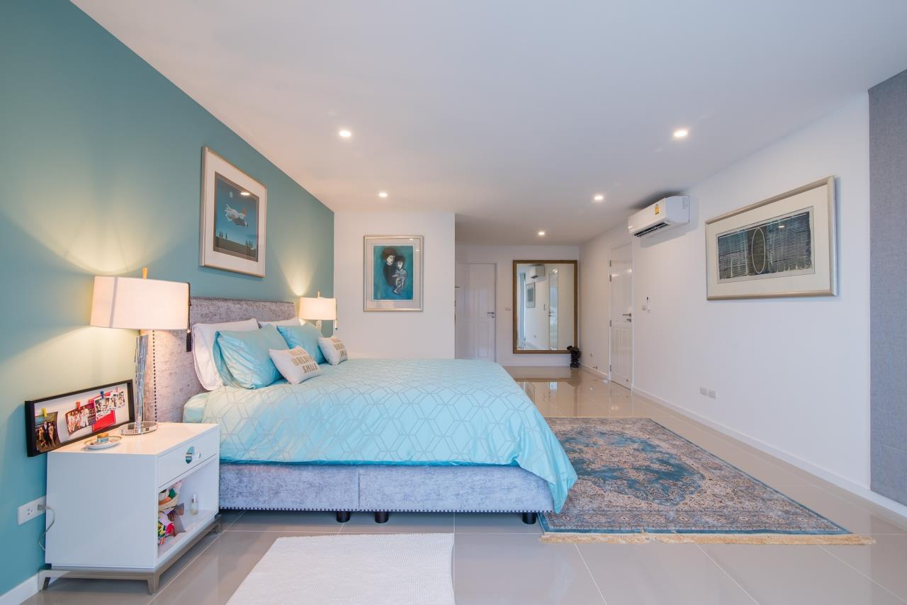 Thaiproperty1 Agency's Luxury 2-Storey Modern Pool Villa - Falcon Hill Hua Hin 32