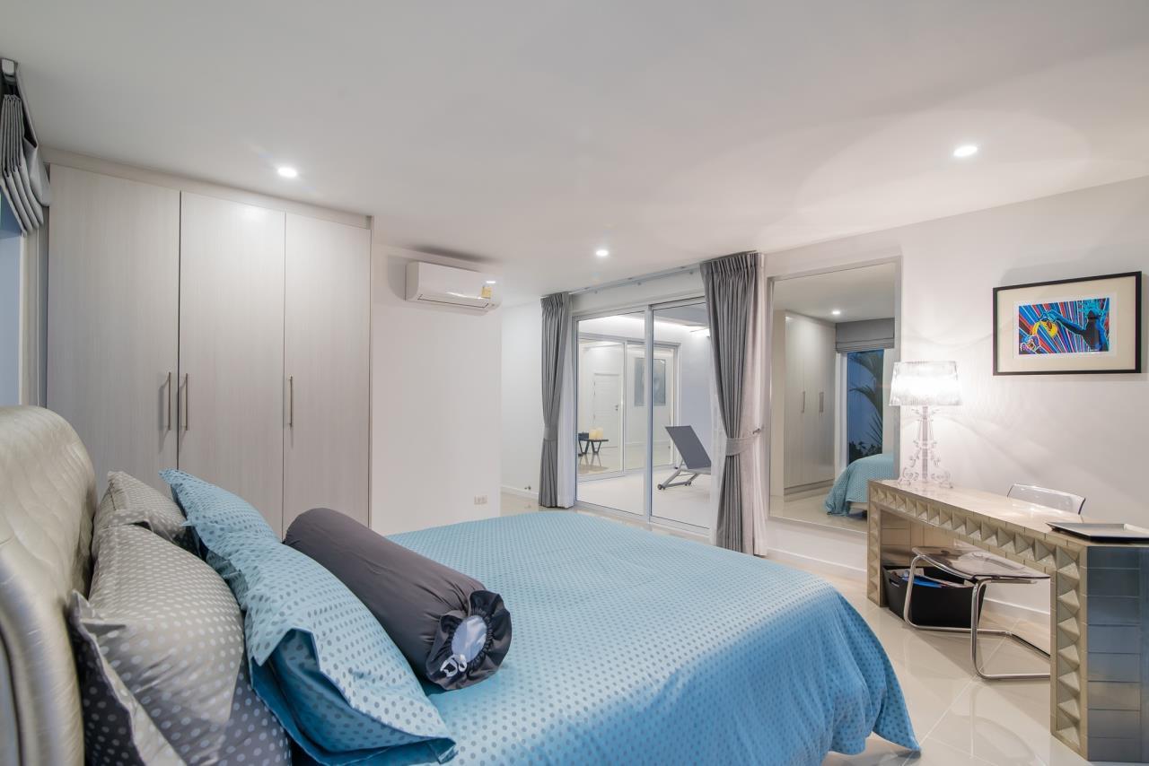 Thaiproperty1 Agency's Luxury 2-Storey Modern Pool Villa - Falcon Hill Hua Hin 16