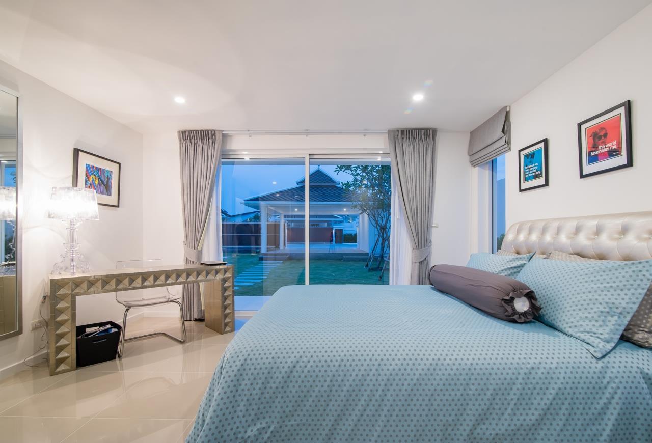 Thaiproperty1 Agency's Luxury 2-Storey Modern Pool Villa - Falcon Hill Hua Hin 18