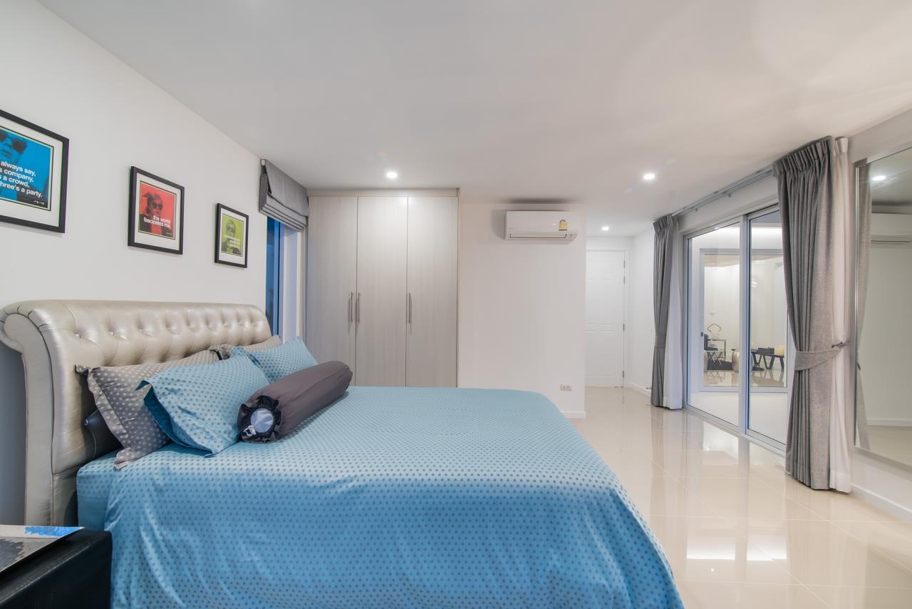 Thaiproperty1 Agency's Luxury 2-Storey Modern Pool Villa - Falcon Hill Hua Hin 17