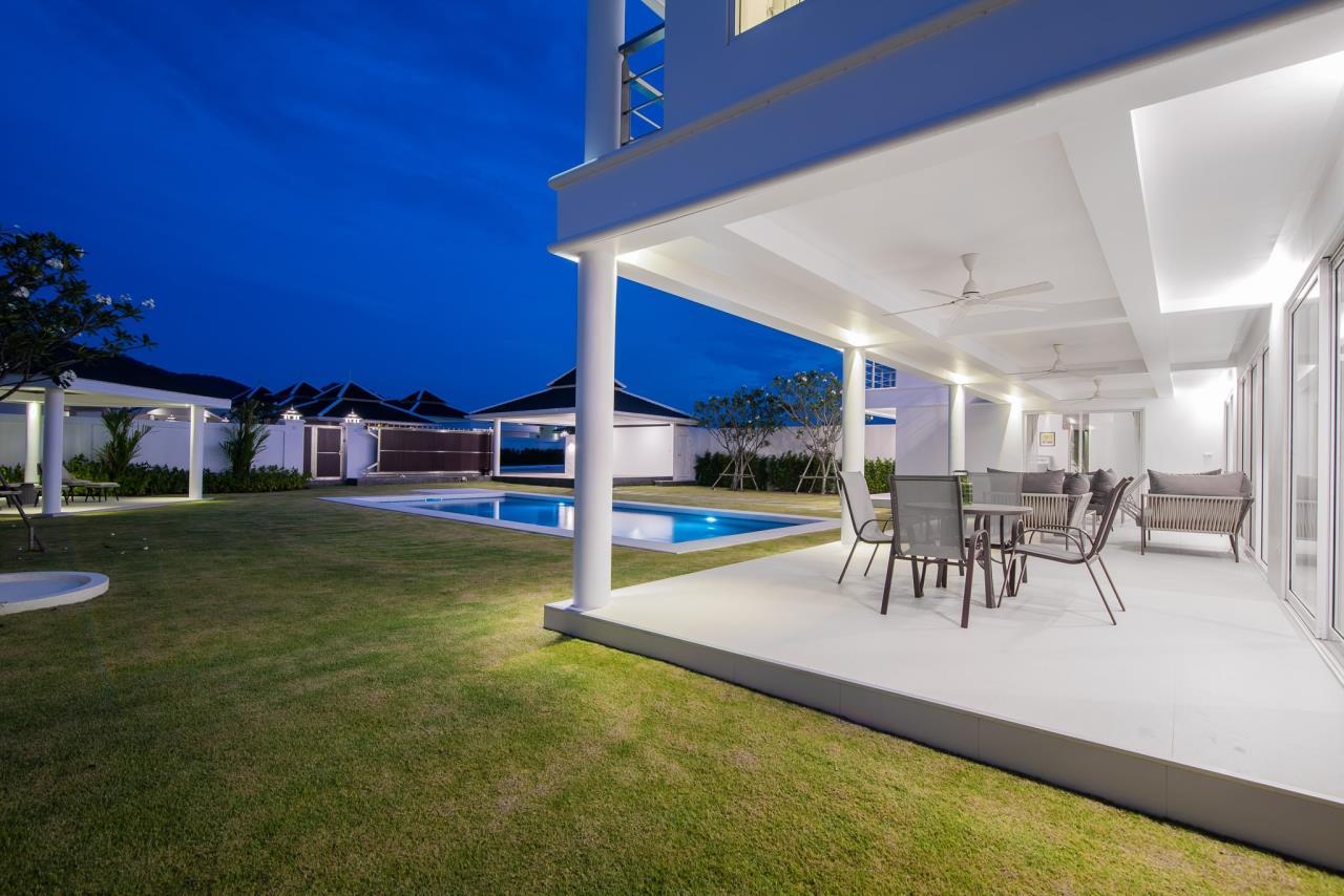 Thaiproperty1 Agency's Luxury 2-Storey Modern Pool Villa - Falcon Hill Hua Hin 49
