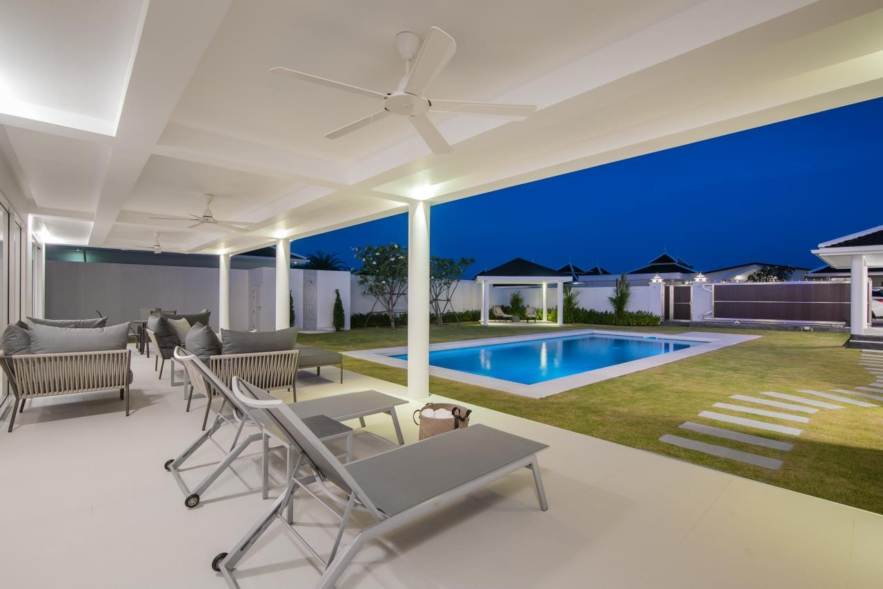 Thaiproperty1 Agency's Luxury 2-Storey Modern Pool Villa - Falcon Hill Hua Hin 48