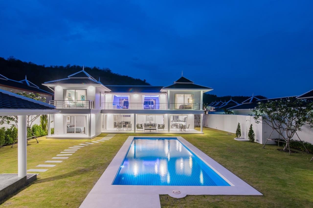 Thaiproperty1 Agency's Luxury 2-Storey Modern Pool Villa - Falcon Hill Hua Hin 53