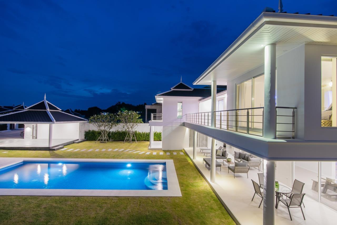 Thaiproperty1 Agency's Luxury 2-Storey Modern Pool Villa - Falcon Hill Hua Hin 52