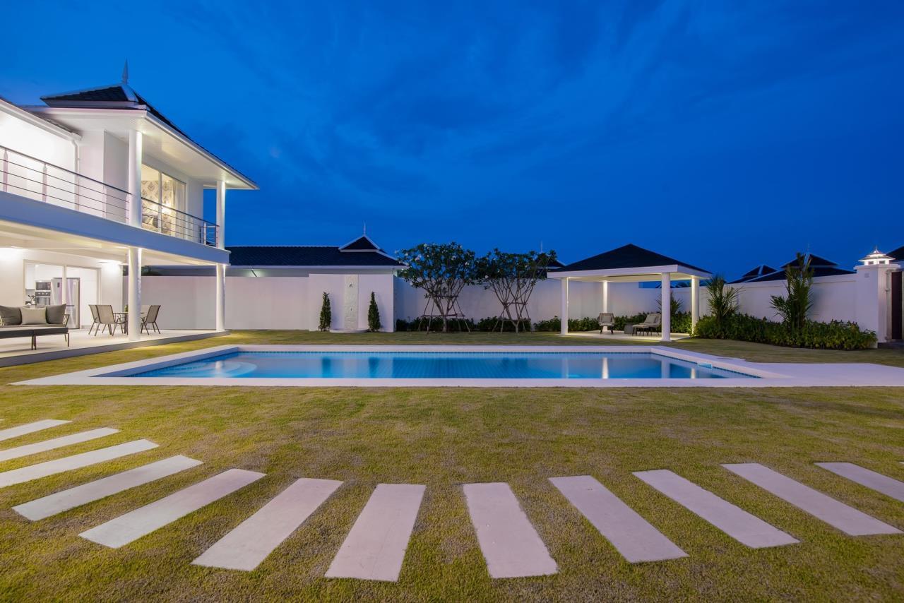 Thaiproperty1 Agency's Luxury 2-Storey Modern Pool Villa - Falcon Hill Hua Hin 51