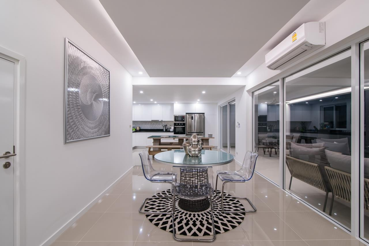 Thaiproperty1 Agency's Luxury 2-Storey Modern Pool Villa - Falcon Hill Hua Hin 9