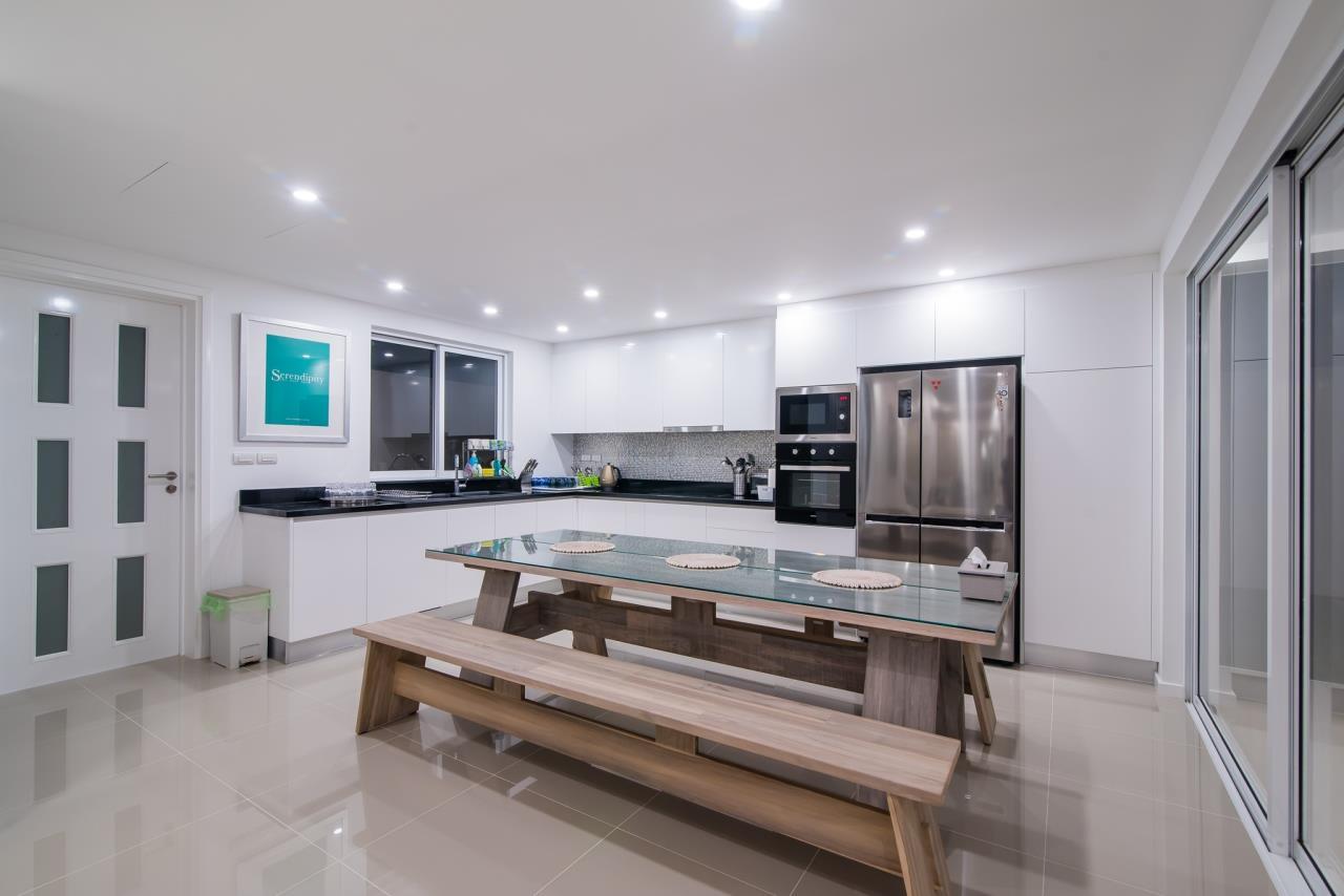 Thaiproperty1 Agency's Luxury 2-Storey Modern Pool Villa - Falcon Hill Hua Hin 12