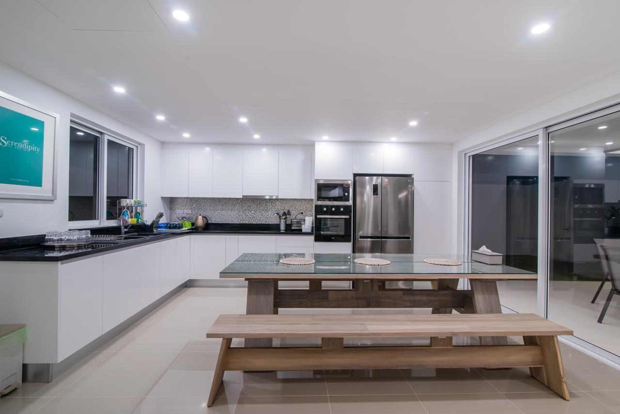 Thaiproperty1 Agency's Luxury 2-Storey Modern Pool Villa - Falcon Hill Hua Hin 10