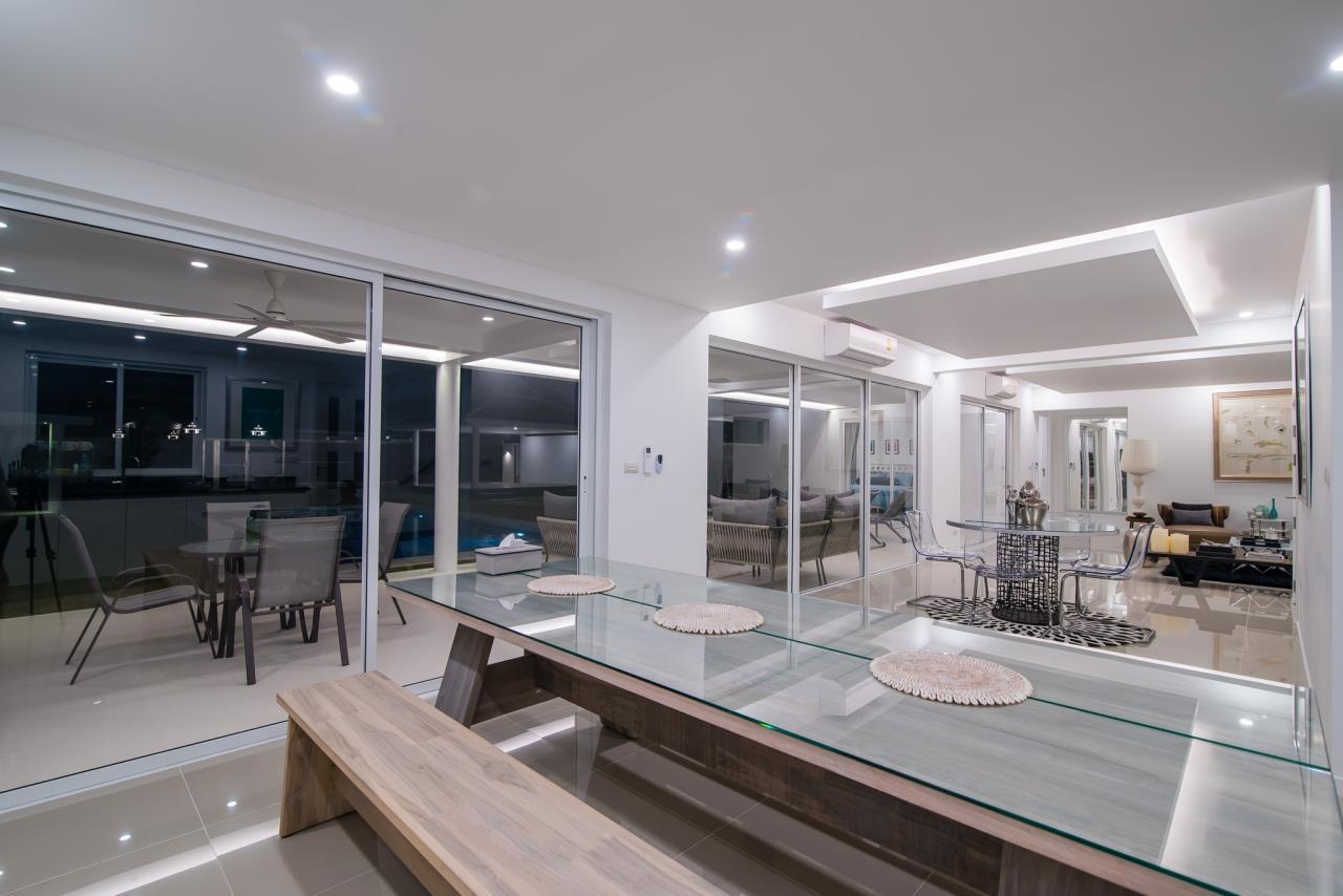 Thaiproperty1 Agency's Luxury 2-Storey Modern Pool Villa - Falcon Hill Hua Hin 13