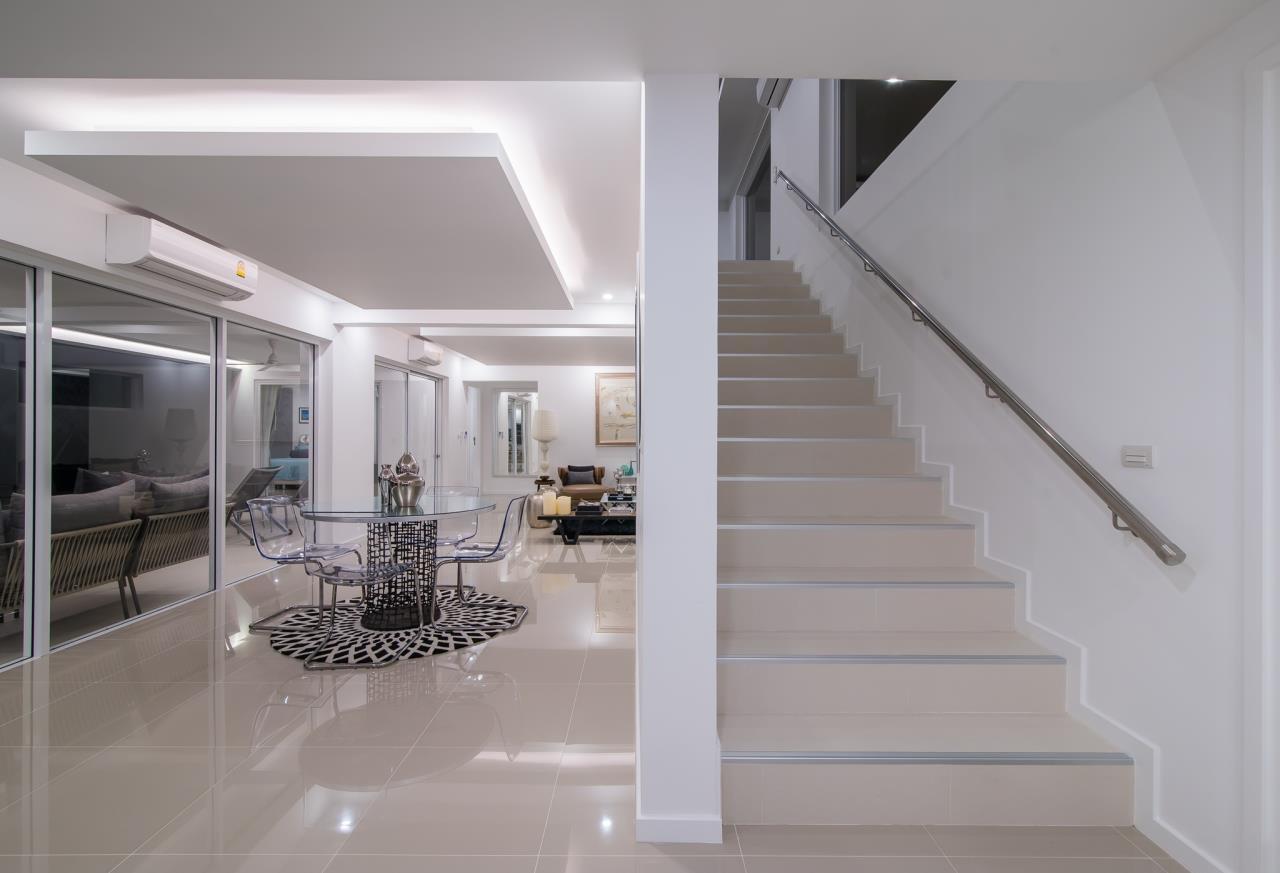 Thaiproperty1 Agency's Luxury 2-Storey Modern Pool Villa - Falcon Hill Hua Hin 23