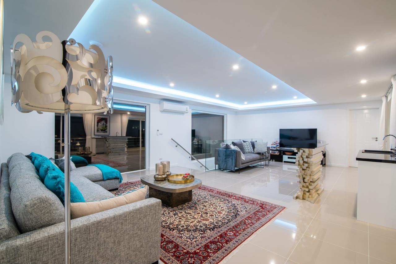 Thaiproperty1 Agency's Luxury 2-Storey Modern Pool Villa - Falcon Hill Hua Hin 29