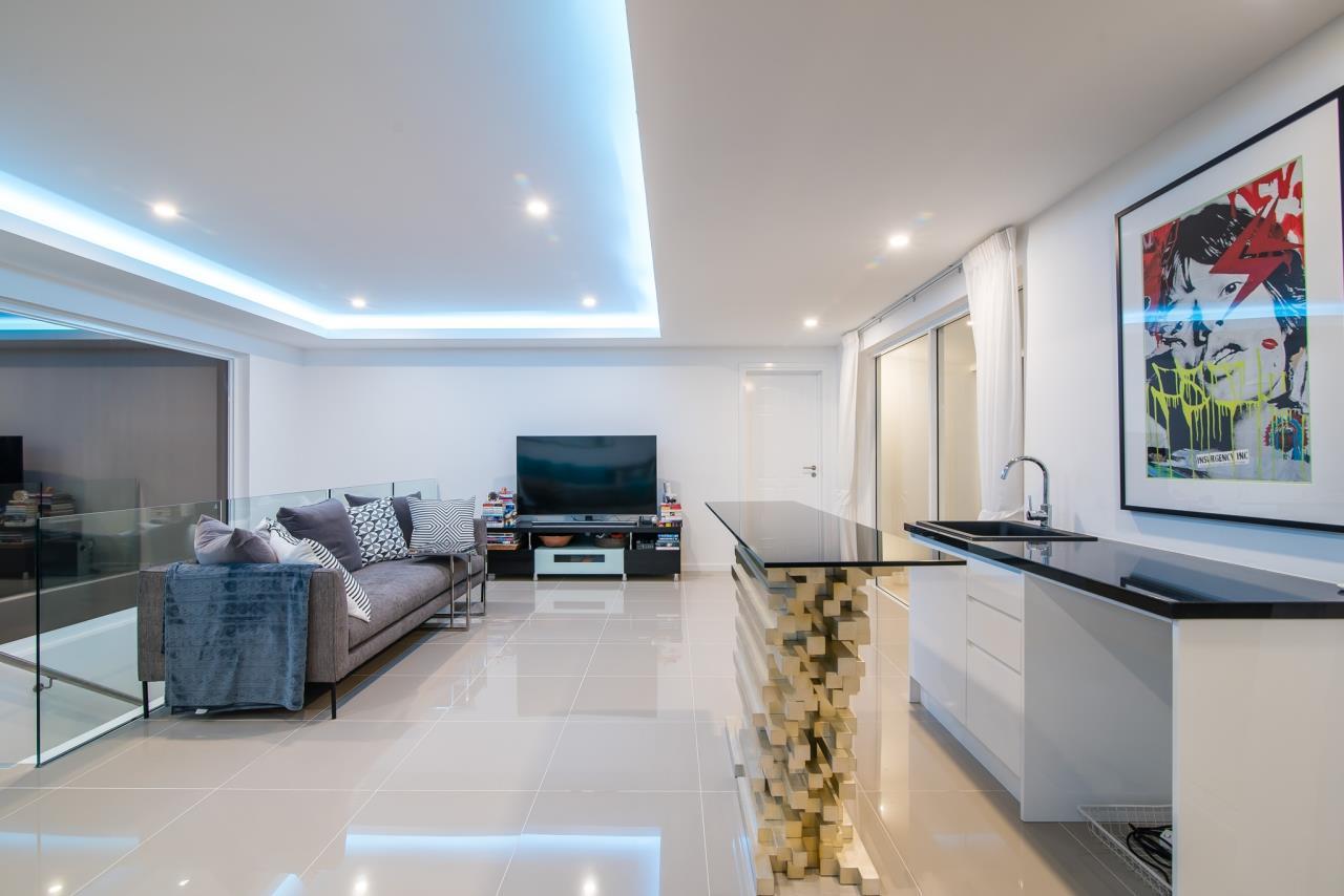 Thaiproperty1 Agency's Luxury 2-Storey Modern Pool Villa - Falcon Hill Hua Hin 24