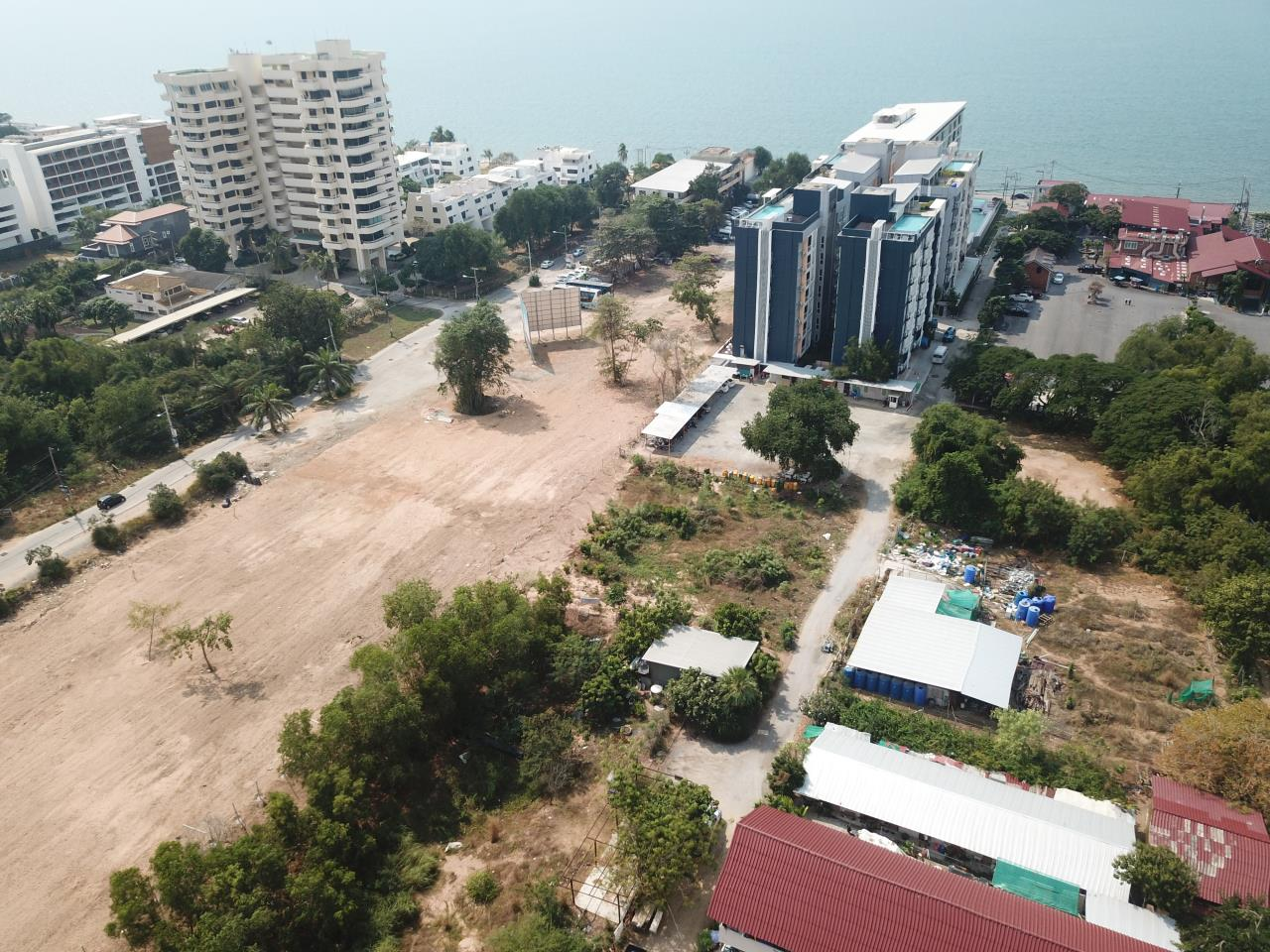 Thaiproperty1 Agency's 2,160 Sq.m Land Behind Pupen Restaurant - Jomtien Beach Road 5