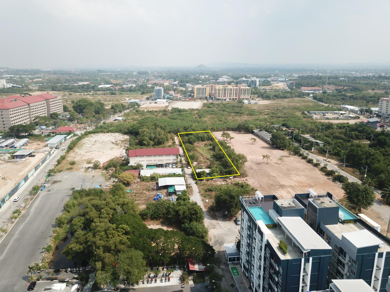 Thaiproperty1 Agency's 2,160 Sq.m Land Behind Pupen Restaurant - Jomtien Beach Road 2