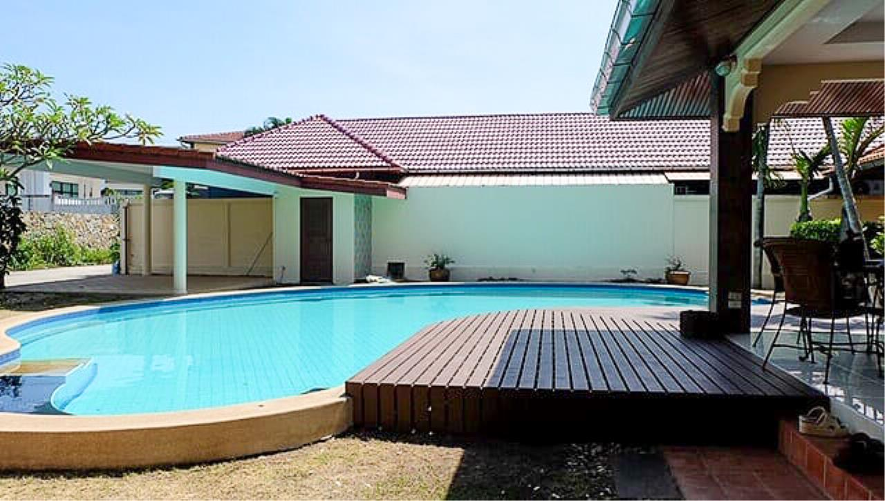 Thaiproperty1 Agency's 3 Bed pool villa for sale at Mabprachan - East Pattaya 31