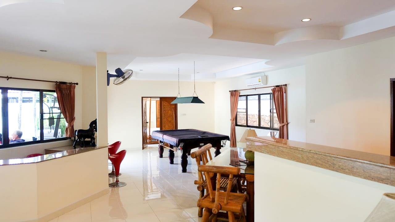 Thaiproperty1 Agency's 3 Bed pool villa for sale at Mabprachan - East Pattaya 10