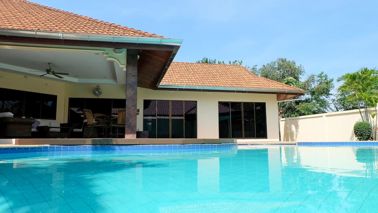 Thaiproperty1 Agency's 3 Bed pool villa for sale at Mabprachan - East Pattaya 4