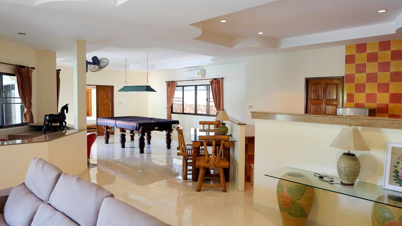 Thaiproperty1 Agency's 3 Bed pool villa for sale at Mabprachan - East Pattaya 9