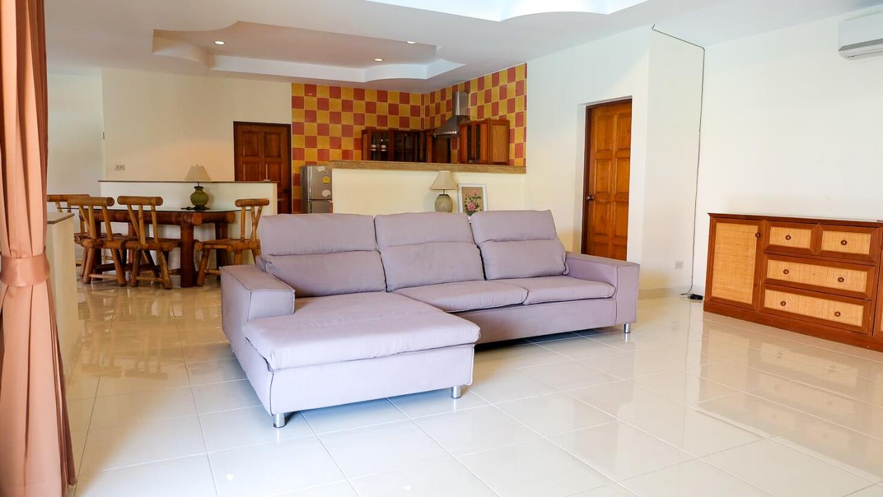 Thaiproperty1 Agency's 3 Bed pool villa for sale at Mabprachan - East Pattaya 5