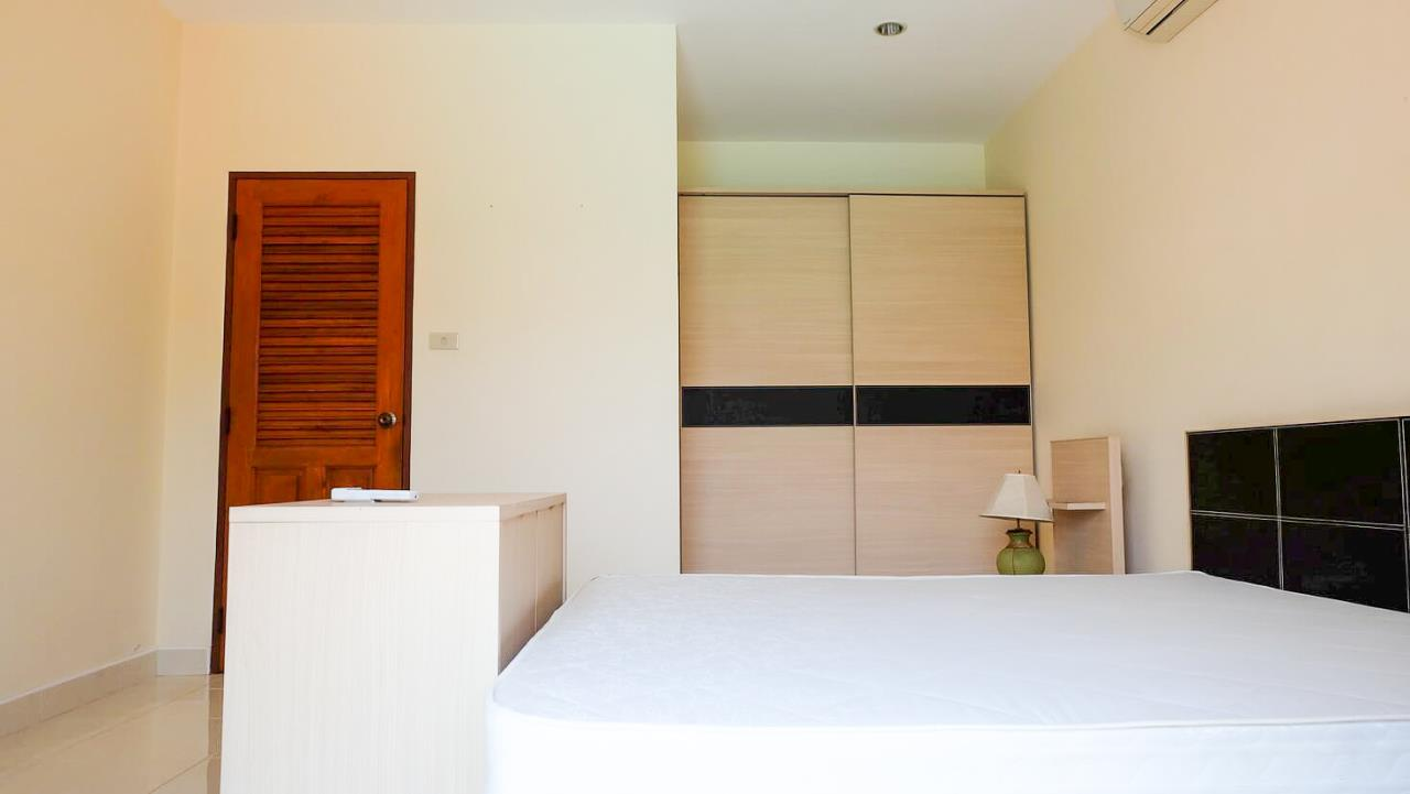 Thaiproperty1 Agency's 3 Bed pool villa for sale at Mabprachan - East Pattaya 17