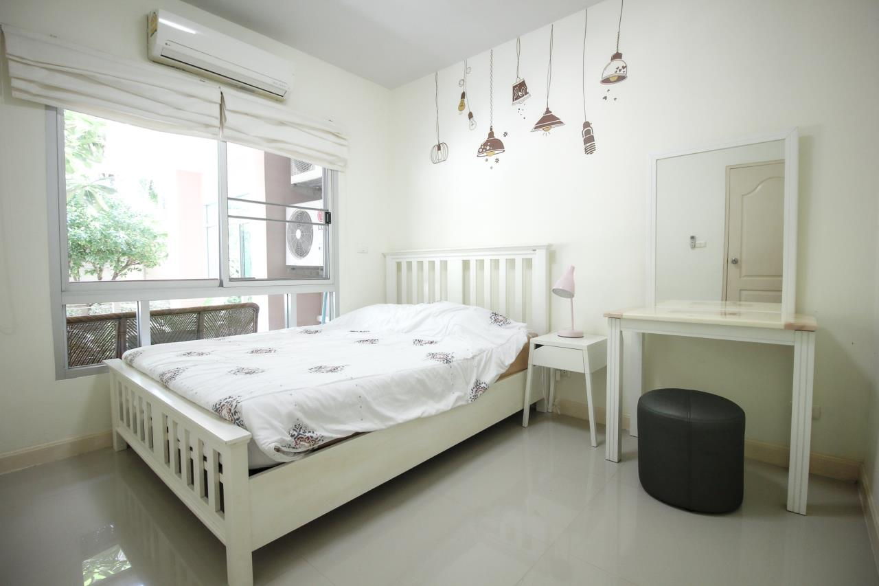 Thaiproperty1 Agency's Flametree Residence - Ground Floor One Bed Condo 9