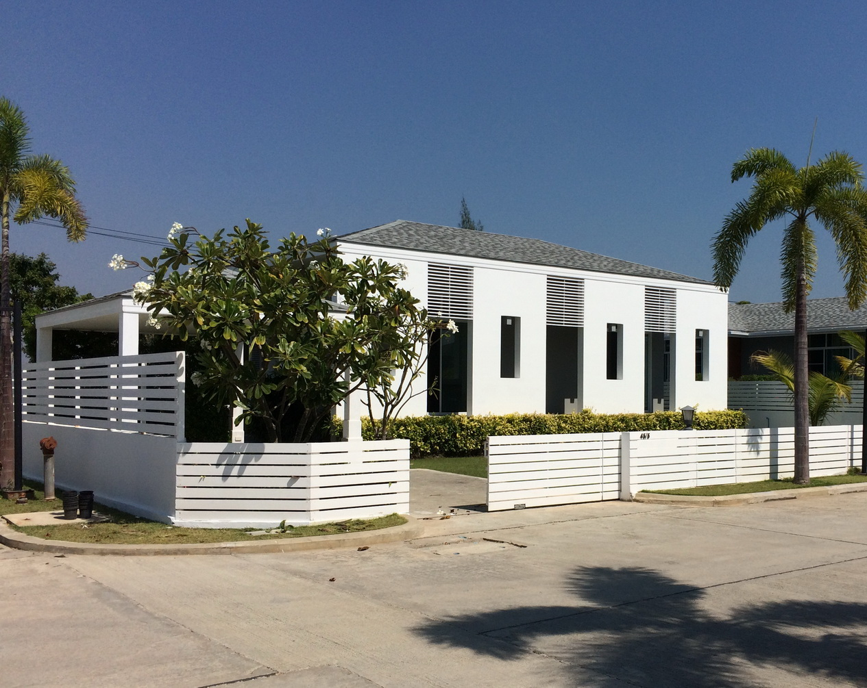 Chaum Haus Agency's Modern Style Single Storied House, 3 Bed / 2 Bth,  with Prvate Pool for Sale 1