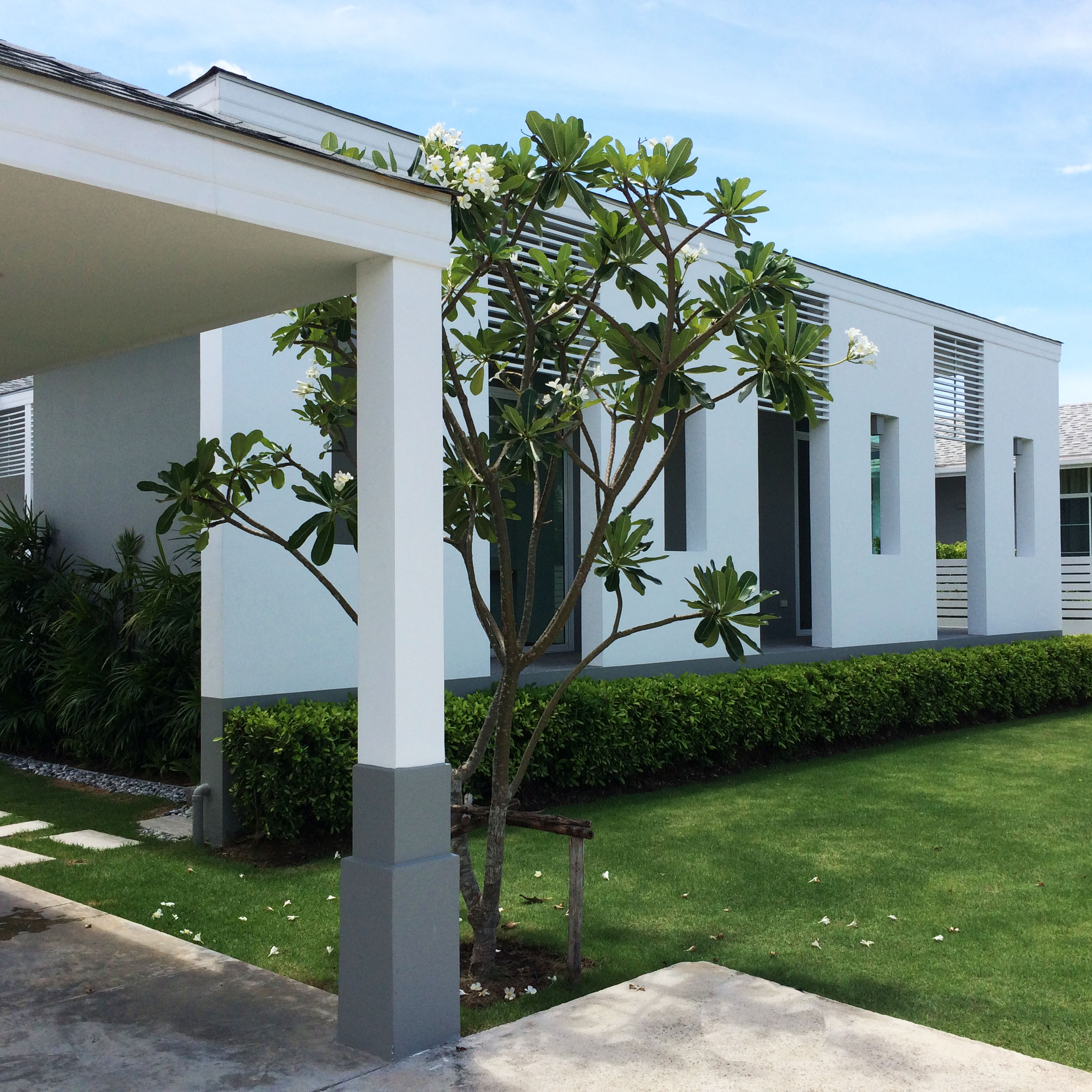 Chaum Haus Agency's Modern Style Single Storied House, 3 Bed / 2 Bth,  with Prvate Pool for Sale 2